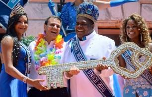 As etapas de seleção vão acontecer na Cidade do Samba; Rei Momo será escolhido no dia 3 de dezembro pela comissão julgadora