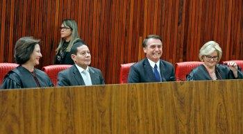 Ações acusavam a chapa de Bolsonaro e Mourão de abuso de poder econômico por disparo de mensagens no WhatsApp