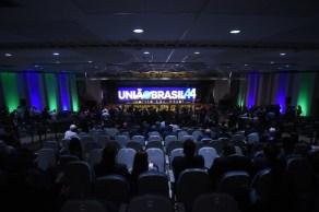 Junção dos partidos DEM e PSL foi aprovada nesta quarta-feira (6), em suas respectivas convenções