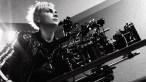 Cineasta amigo de diretora morta em set questiona uso de armas reais em filmes
