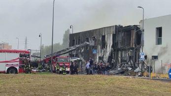 Aeronave de pequeno porte caiu sobre um prédio que estava desocupado