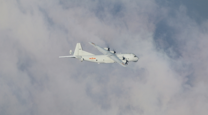 Aeronave antissubmarino Yun 8 da Força Aérea da China sobrevoa zona de defesa aérea de Taiwan