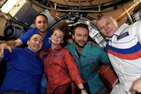 """Atores e produtores russos rodaram o longa-metragem """"Desafio"""", sobre um médico que deverá operar um cosmonauta no espaço"""