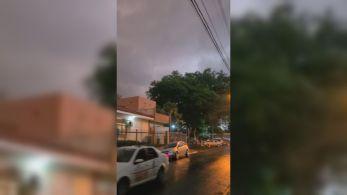 Fenômeno ocorre especialmente em áreas de plantação; é a quarta vez que grandes nuvens de poeira são registradas no interior paulista
