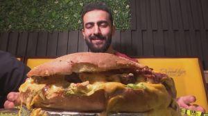 Lanchonete dá prêmio para quem comer sanduíche de 1 kg no Egito