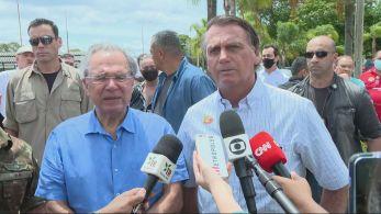 """Presidente afirmou que irá discutir o que fazer com Petrobras e criticou """"burocracia"""" no processo de privatização"""