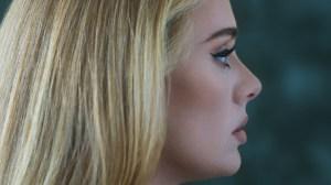Adele bate recorde de volta ao topo das paradas do Reino Unido com novo single