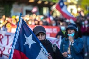 Houve embates com a polícia em alguns pontos das diversas manifestações que relembraram os movimentos nacionais no país em 2019