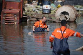 Pelo menos 1,75 milhão de pessoas foram afetadas pelas enchentes, que causaram o desabamento de 19.500 casas
