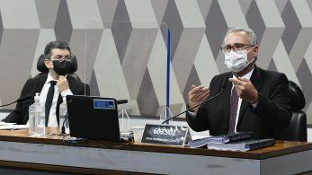 Documento apresentado nesta quarta-feira (20) pelo relator Renan Calheiros (MDB-AL) traz imputação de crimes a 66 pessoas e duas empresas