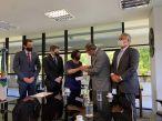 Senadores de oposição entregam relatório da CPI ao TCU