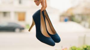 Vai voltar ao escritório? Veja como uso do salto alto pode fazer mal à saúde
