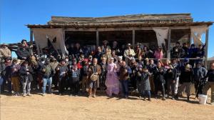 Rust: filme trata de fuga familiar no velho oeste após morte acidental