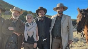 """Membros da equipe de """"Rust"""" usaram armas em brincadeira antes da morte de diretora"""