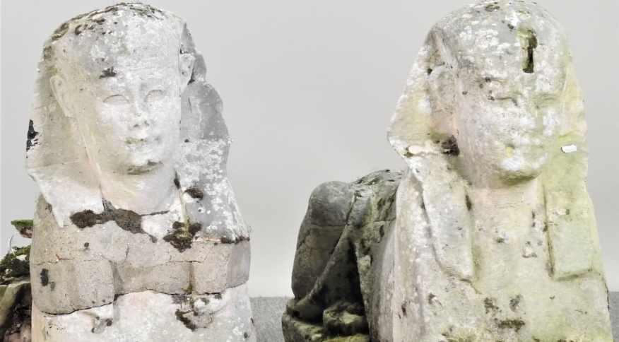 Galeria de arte internacional comprou as duas estátuas