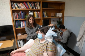 Universidade da Califórnia em São Francisco implantou, com sucesso, um dispositivo no cérebro de Sarah, que viveu por anos com depressão severa