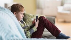 Menores de 10 anos já usam redes sociais; pais podem ajudar na segurança online