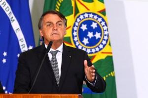 """Bolsonaro diz que Petrobras """"só dá dor de cabeça"""" e """"atua para acionistas"""""""