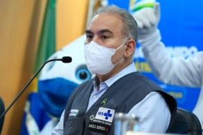 """""""Todos nós vamos ficar livres dessas máscaras"""", disse Queiroga à CNN, sem fechar uma data"""