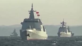 Frota militar percorreu estreitos próximos a ilhas japonesas e elevou tensão, que também envolve Taiwan e Estados Unidos, na região