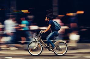 Aumentou percentual daqueles que estão deixando de usar o carro ou a moto para economizar com o deslocamento
