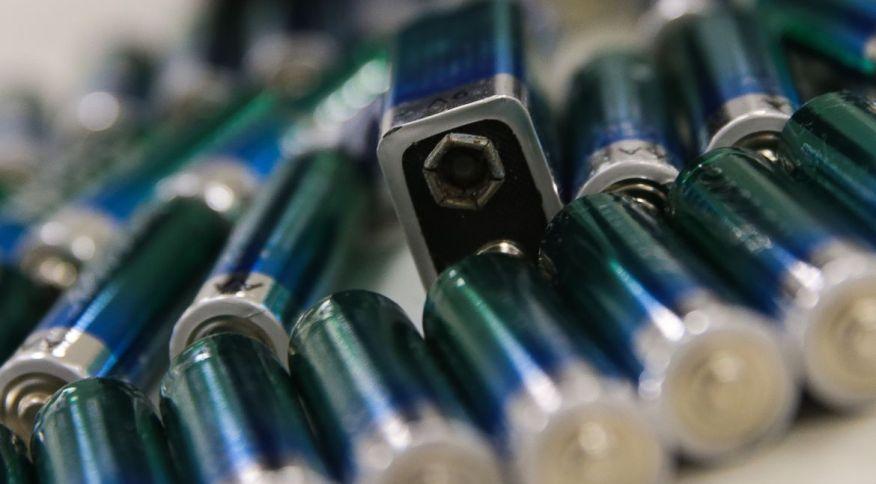 Lixo eletrônico: pilhas e baterias separadas para descarte