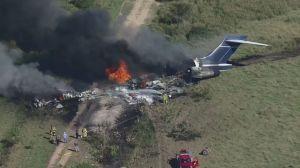 Avião com 21 pessoas a bordo cai no Texas; apenas um passageiro ficou ferido