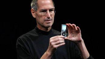 A praticidade do tamanho, a capacidade de armazenamento, a bateria durável, a interface inteligente e a qualidade de áudio são fatores que tornaram o iPod um símbolo do consumo digital