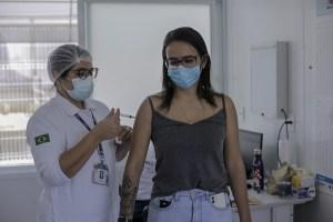 Casos de Covid-19 em favelas do Rio caem 46% em uma semana