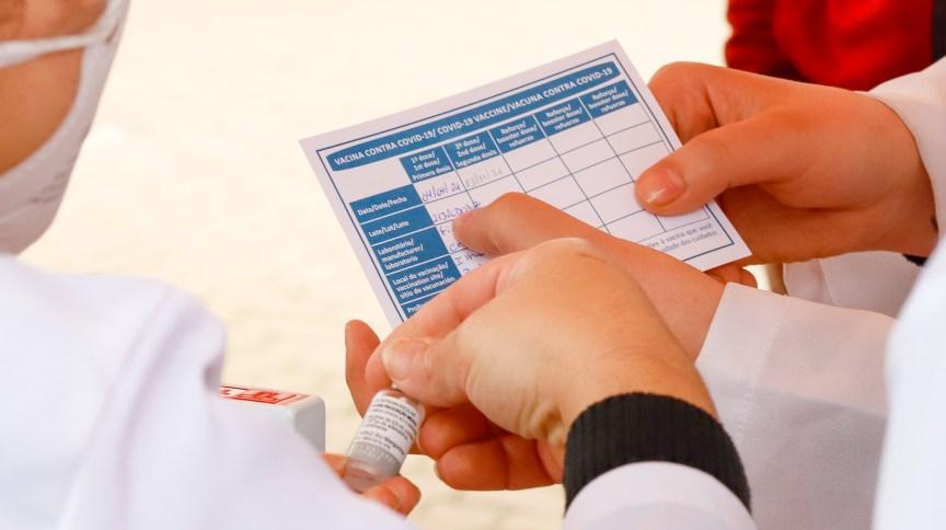 O passaporte funciona como um comprovante individual, que informa se a pessoa está ou não imunizada contra a Covid-19