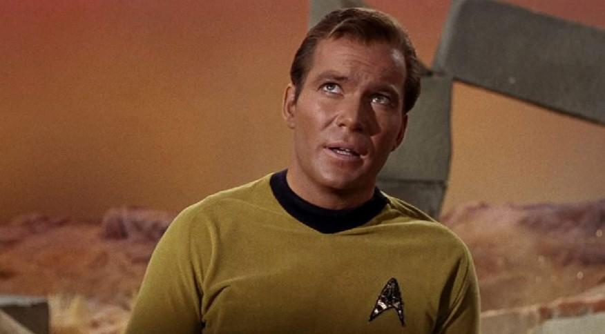 Ator William Shatner como o capitão James T. Kirk, em Star Trek - Jornada nas Estrelas