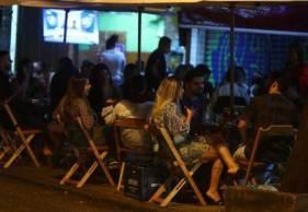 Principais escolhas entre pessoas de 18 a 29 anos foram os bares, que representaram 4,2% deste crescimento, seguido por restaurantes de fast food, com 2,7%