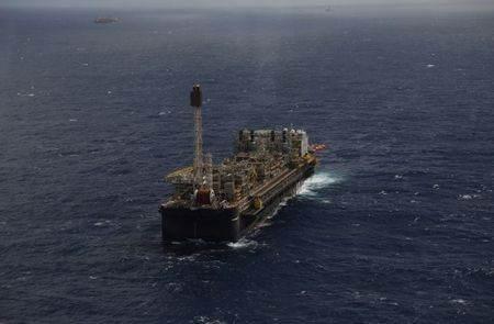 Plataforma de produção de petróleo na bacia de Santos, no Rio de Janeiro