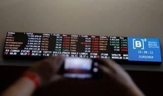 Moeda americana fechou a R$ 5,55, enquanto a bolsa subiu 0,1%, a 110.786,43 pontos