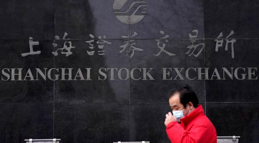 Na China continental, as bolsas recuaram após cortes de energia locais comprometerem a perspectiva de crescimento da segunda maior economia do mundo