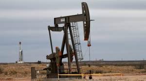 Barril de petróleo chega a US$ 80 em meio à escassez de oferta e demanda firme