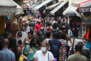 Covid-19: 57% das cidades brasileiras não exigem mais isolamento social