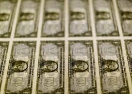 Bolsa encerrou a 107.735,74 pontos, menor fechamento desde novembro de 2020; moeda americana disparou 1,90%