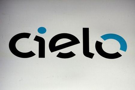 Logo da Cielo em painel na bolsa de valores de São Paulo