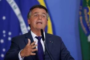 O presidente reconheceu que a inflação está 'acima do razoável', culpou a pandemia pela crise econômica e afastou a possibilidade de demitir o ministro Paulo Guedes