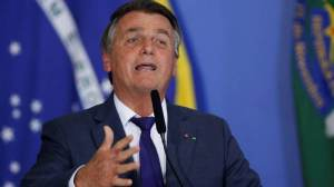 Em entrevista a revista, Bolsonaro diz que 'chance de um golpe é zero'