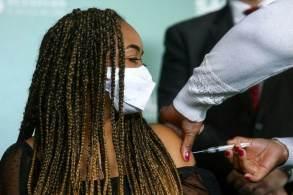 Capital paulista ultrapassou a marca de 17 milhões de doses aplicadas contra a Covid-19; quase 80 mil pessoas já receberam o reforço vacinal