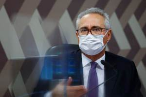 """""""A partir de quinta estarei em condições de ler relatório da CPI"""", diz Renan"""