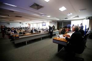 CPI da Pandemia, Portugal anuncia doação de vacinas ao Brasil e mais de 18 de outubro