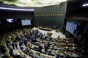 Comissão especial da Câmara adia votação de relatório da PEC dos Precatórios