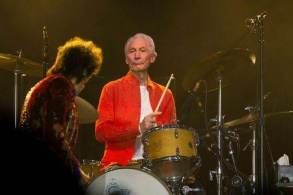 Além dos membros da banda, artistas como Paul McCartney e Elton John também prestaram homenagens ao baterista