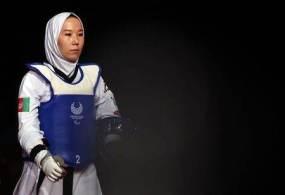 Zakia Khudadadi contou com esforço internacional para conseguir chegar ao Japão após a tomada do poder no Afeganistão pelo Talibã