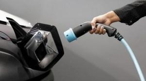 Samsung SDI e Stellantis se juntam em negócio de bateria para carros elétricos