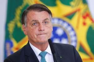 Facebook e Instagram excluem live em que Bolsonaro relaciona vacina contra Covid à Aids
