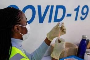 À CNN, presidente da SBIm, Juarez Cunha, afirma que se estados anteciparem aplicação da terceira dose antes do prazo do Ministério da Saúde, logística de vacinação no Brasil ficará complexa